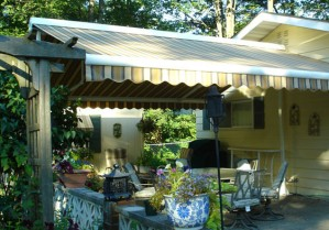 Eclipse butterfly awning