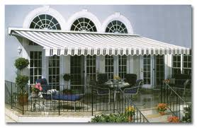 Retractable awnings help you beat the heat