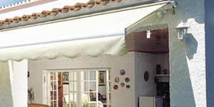 Eclipse semi-cassette retractable awning