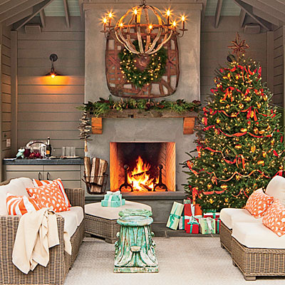 How To Easily Add Holiday Cheer To Your Outdoor Spaces