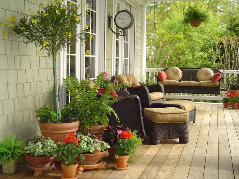Decorating A Patio to decorate your patio on a budget